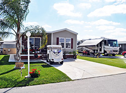 Welcome to Lakemont Ridge Home and RV Park in Frostproof, FL